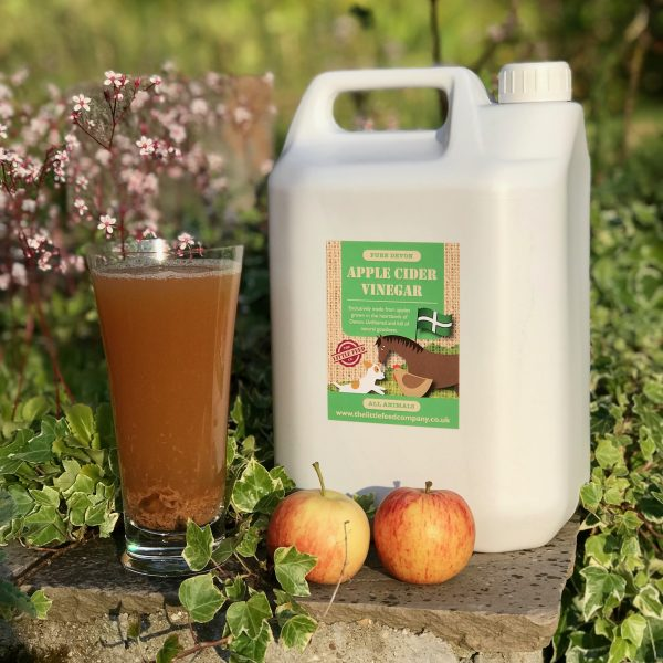 cider vinegar, apple cider vinegar, cider vinegar for horses, cider vinegar for dogs, cider vinegar for poultry