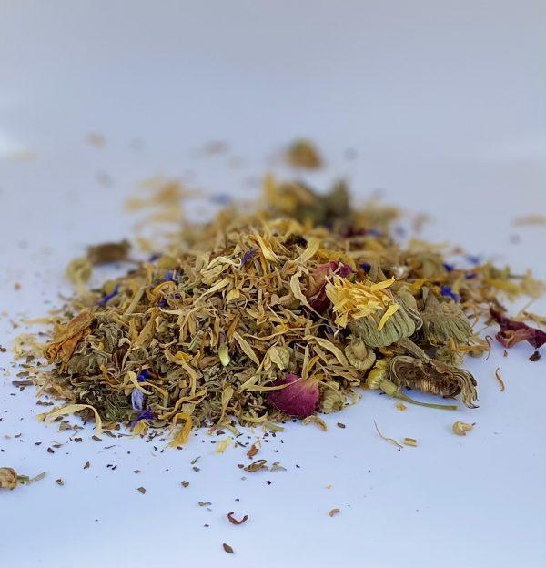 Peck Pourri nest box herbs